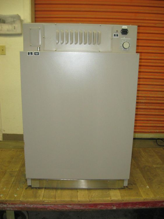 VWR Scientific 2400 CO2 Incubator