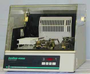 New Brunswick Scientific Innova 4000 Incubator Shaker