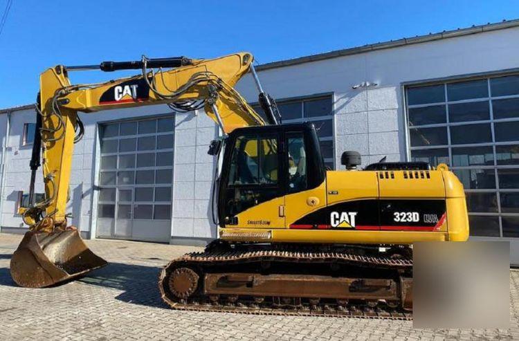 Caterpillar 323 D LVA Tracked Excavator