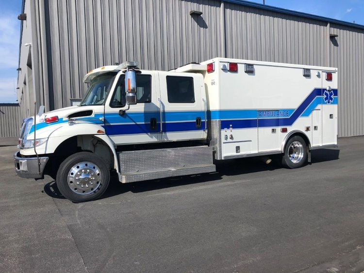 International 4400 Life Line, Medium Duty Ambulance