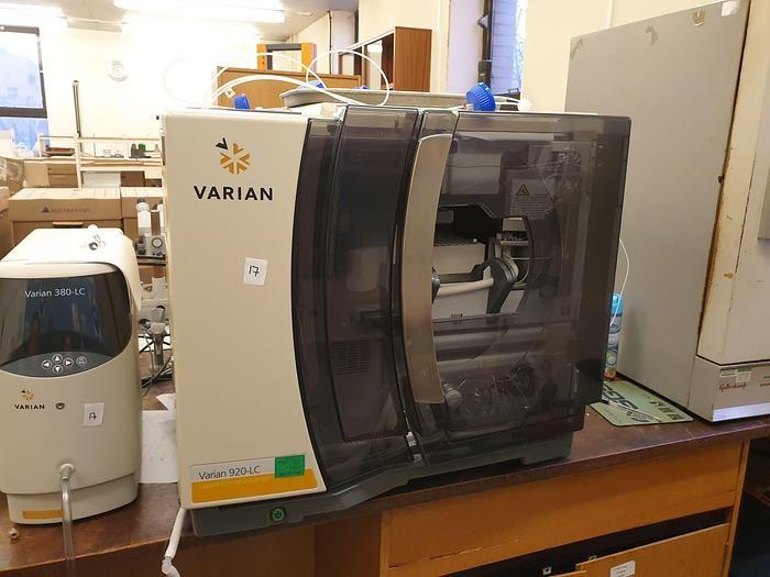 Varian HPLC 920-LC ELS , 380-LC Detector