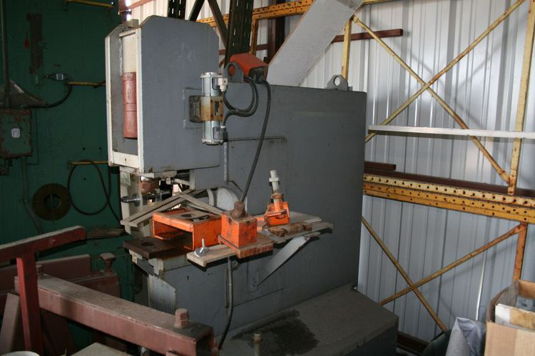 Ironcrafter Single End Hydraulic Punch Max. 50 Ton