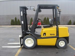 Yale GDP060TGE Sit-Down Pneumatic Tire Truck-IC 5000 lbs.
