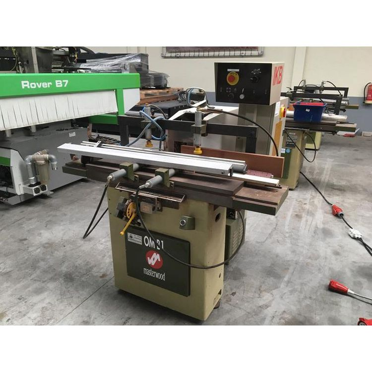 Masterwood OMB 1, Hole stitching machine