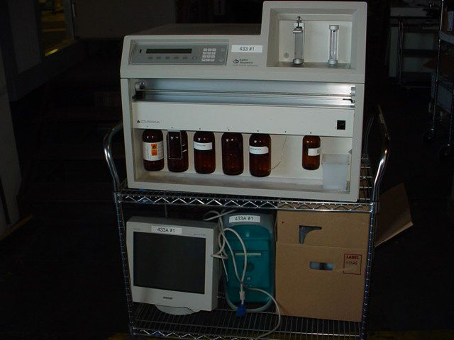 Applied Biosystems 433A Peptide Synthesizer