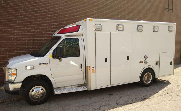 Ford Econoline E-350, Gas Ambulance