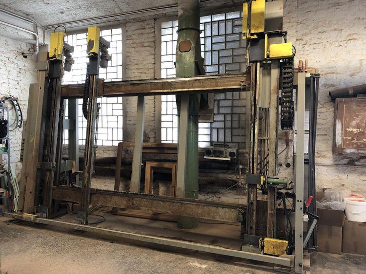 Hess Lux 2000, Frame press