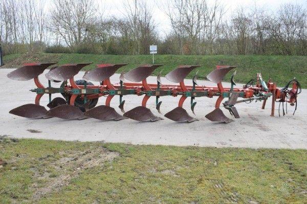 Kverneland PS100 Plough