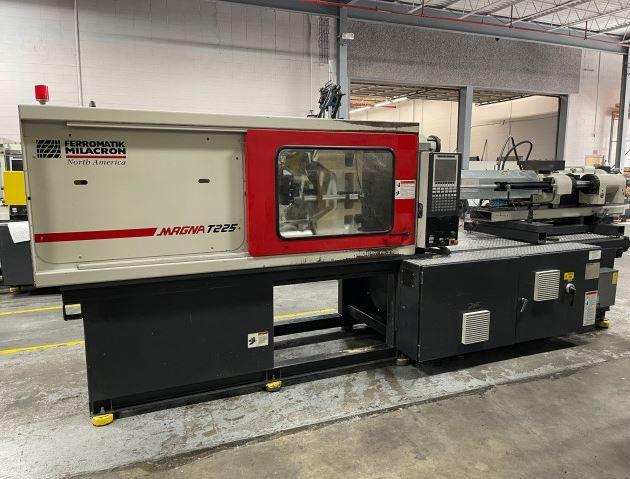 Milacron MT225 Injection Molding Machine 225 T