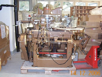 Sapal ZRM Min. 90 x 40 x 35 mm, max. 100 x 55 x 20 mm Folding & Wrapping Machine For Chocolates Hearts