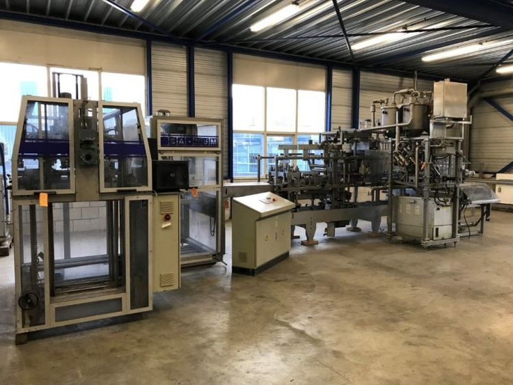 Hassia THM 18/42 Forming, Filling, Sealing machine (FFS) with tray former and packer