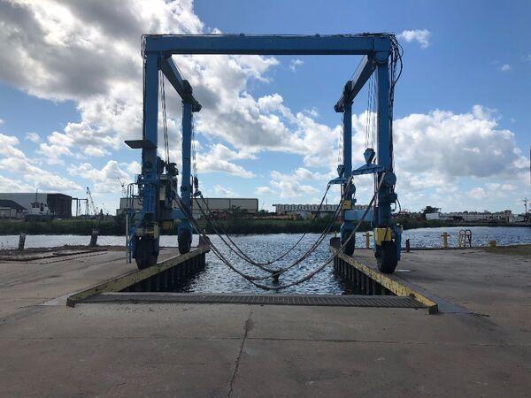 Marine Travelift 60 Ton