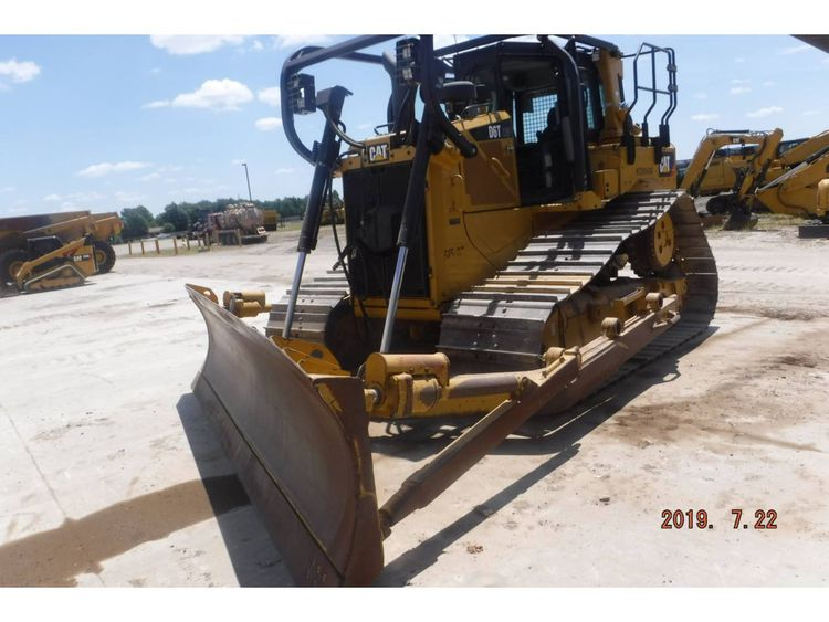 Caterpillar D6T Dozer