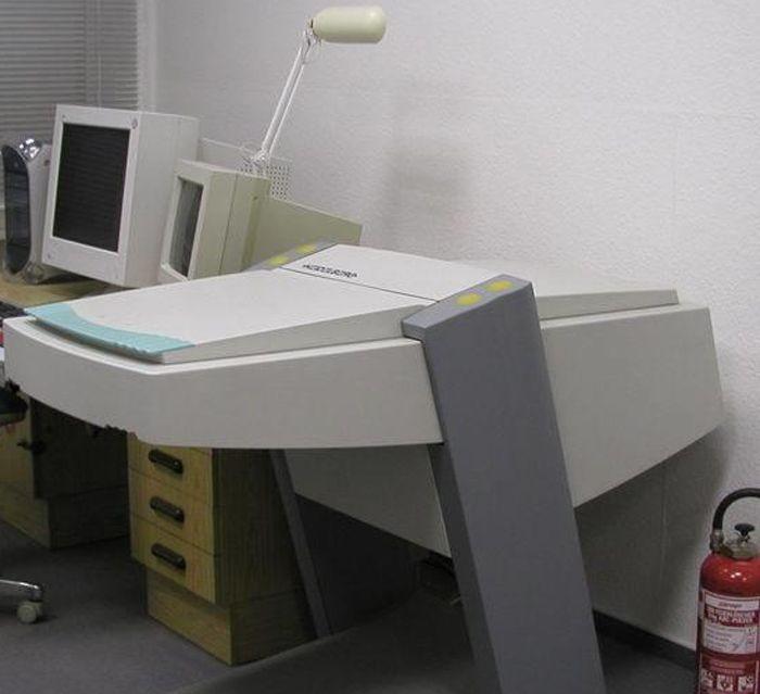 Linotype Topaz II, High End Flatbed Scanner 305x457mm