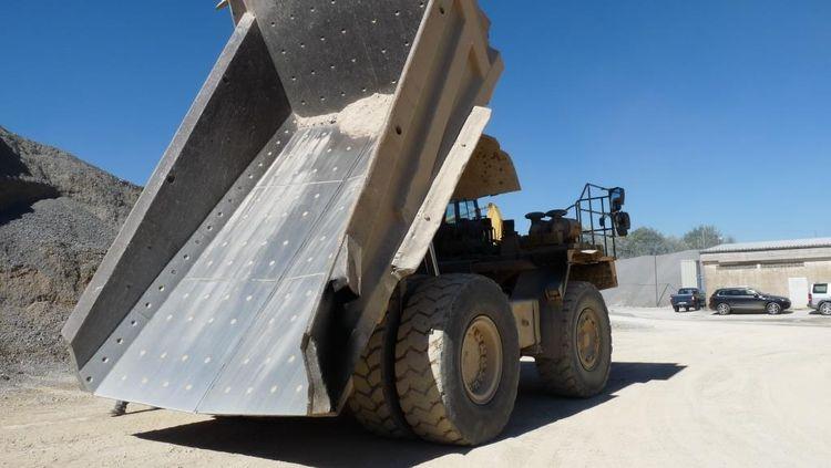 Komatsu HD 465-5 Rigid dump trucks