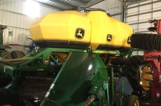 John Deere 1895 Air Drills and Seeders
