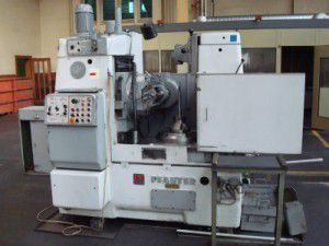 Pfauter P-400 Variable Gear cutter with mother cutter