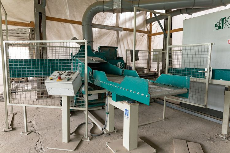 Sharp Semi-automatic finger jointing line