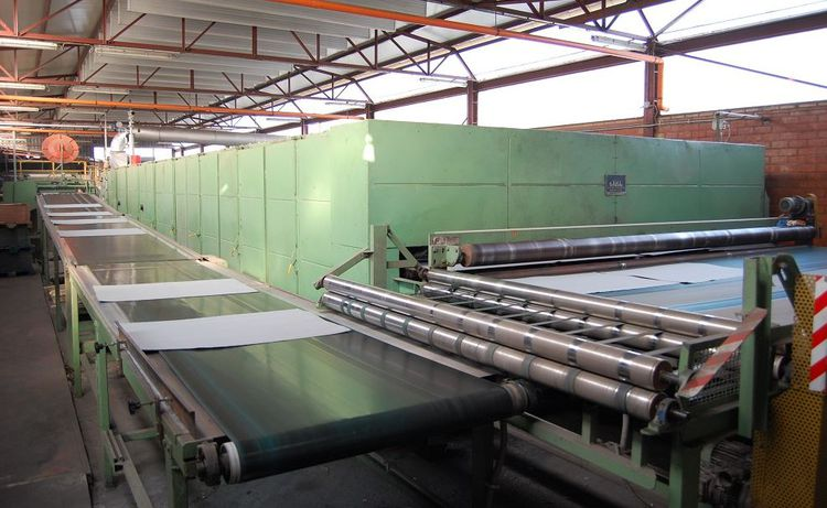 Thick board paper machine for up to 3600 gsm board, still installed, deal price! 2700 mm 700-3600 gsm 16 tpd