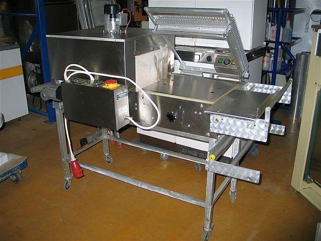 Kuhlmann shrink tunnel packaging machine