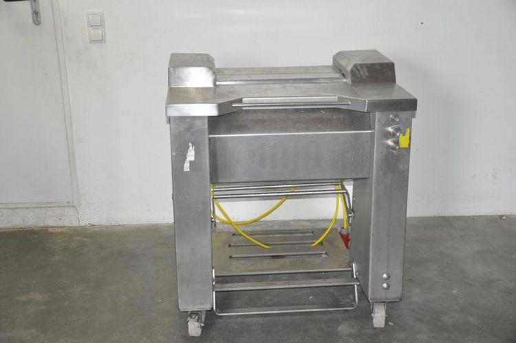 Maja 4006 skinning machine
