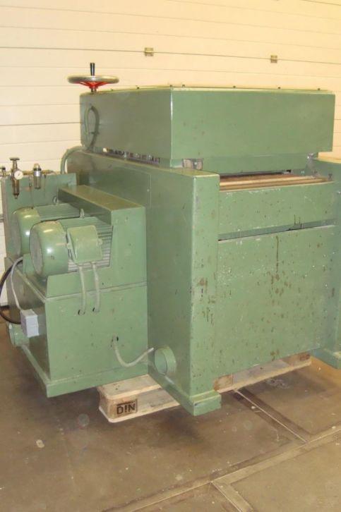 Double shaft grinder