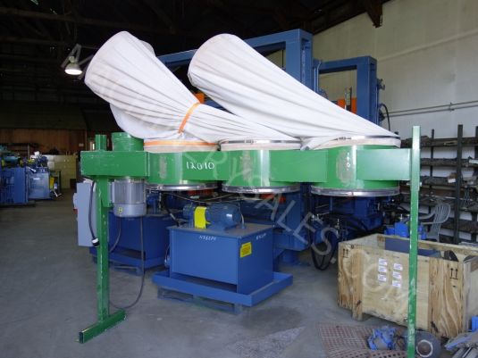 Dust Technology DT-75, 3-Bag Dust Collector