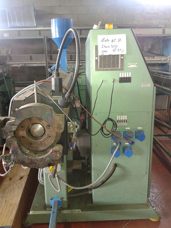 Davis Standard Extrusion machine