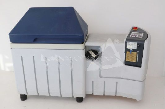 White SC / KWT 450 spray test chamber