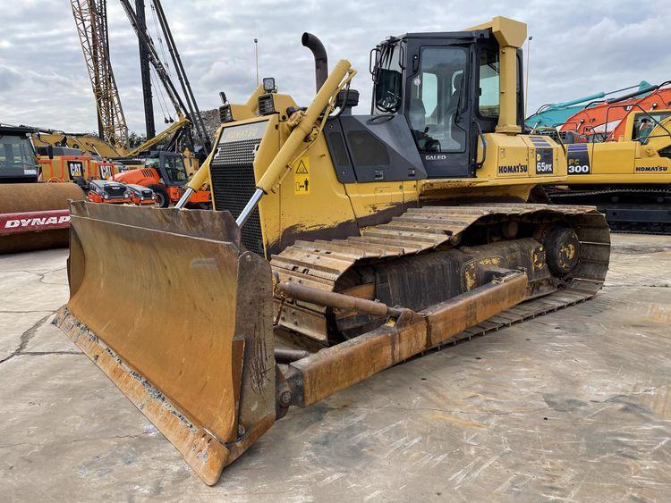 Komatsu D65PX-15 Tracked bulldozers