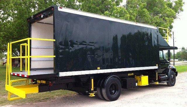 International 4300 DT 466, Catering Truck
