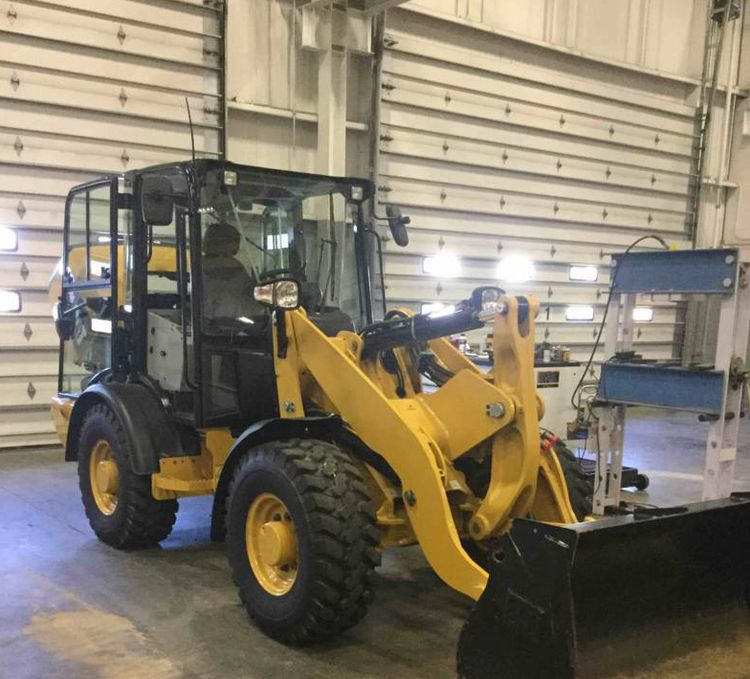 Caterpillar 906M Wheel loaders