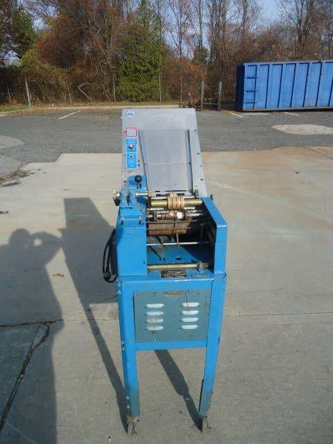 Labelette 11C, SEMI-AUTOMATIC GLUE LABELING MACHINE