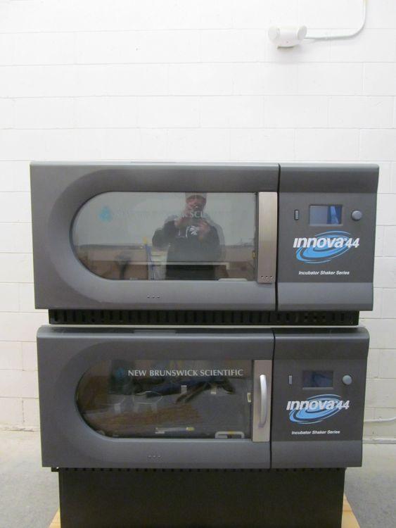 New Brunswick Innova 44 Stackable Large Capacity Refrigerated Incubator Shaker