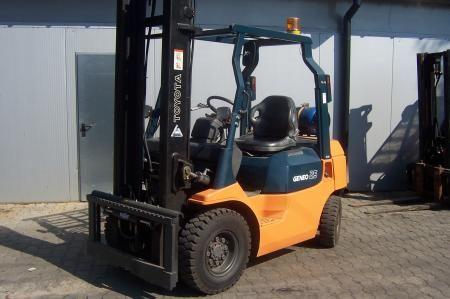 Toyota 02-7FG25 2500 kg
