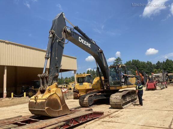 John Deere 300G LC Excavators