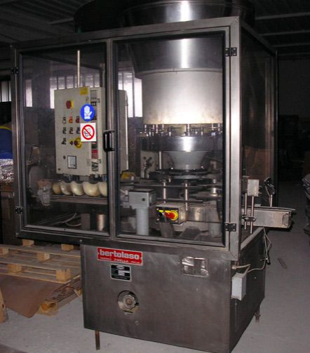 Bertolaso DELTA Automatic Corking Machine
