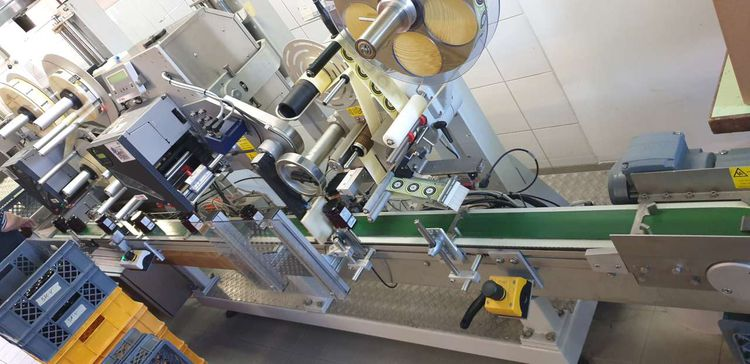 Bluhm Systeme Labeling machine