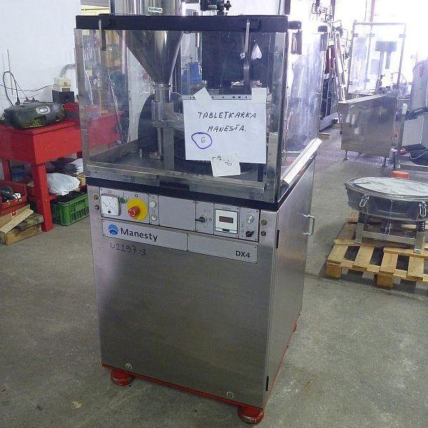 Manesty DX4 31.75 mm rotary tablet press