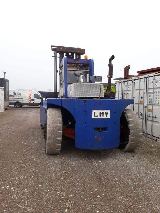 LMV forklift 30000 kg