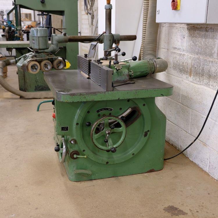 Bauerle SFM2 Swivel spindle milling machine