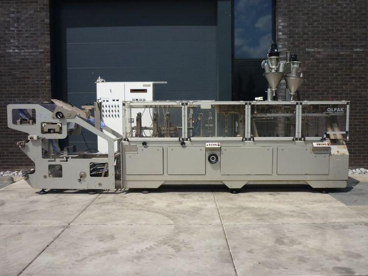 Volpak S-240D , horizontal form fill and sealmachine