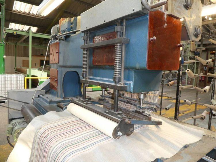 Tufting loom
