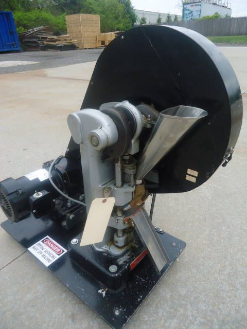 Colton 328  SINGLE PUNCH  Tablet Press