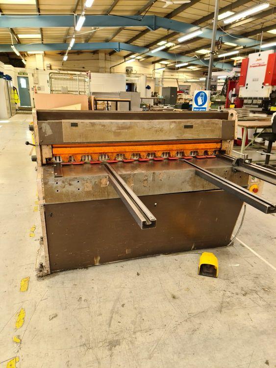 Edwards Pearson DD 1250/3.5 Direct Drive Mechanical Shear