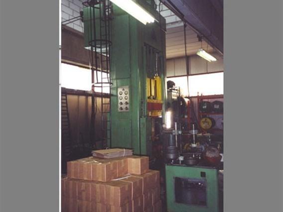 SMG 230 Ton