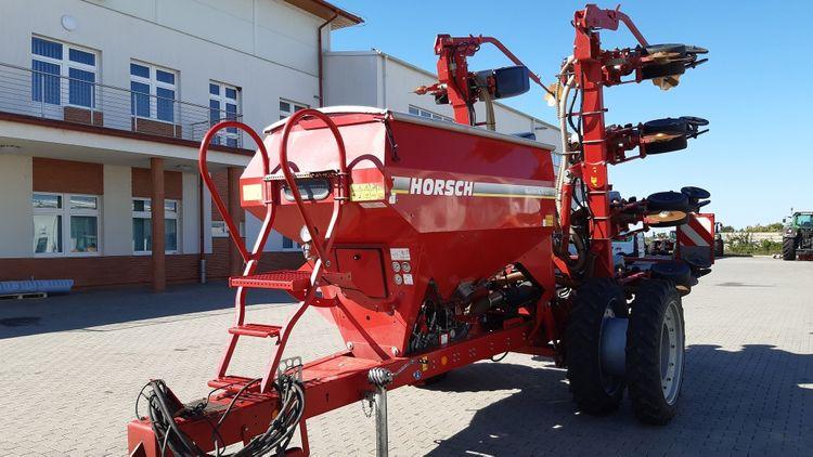 HORSCH Maestro 8 CC Precision seed driller