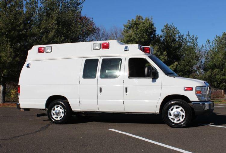 Ford, Wheeled Coach E350