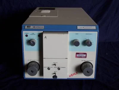 Hitachi F1000 Fluorescence Spectrophotometer