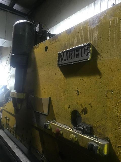 Pacific HYDRAULIC PRESS BRAKE 225 TON